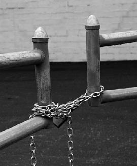 chained-2.jpg